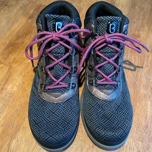 Bzees Shoes - Bzees Hiking Boots